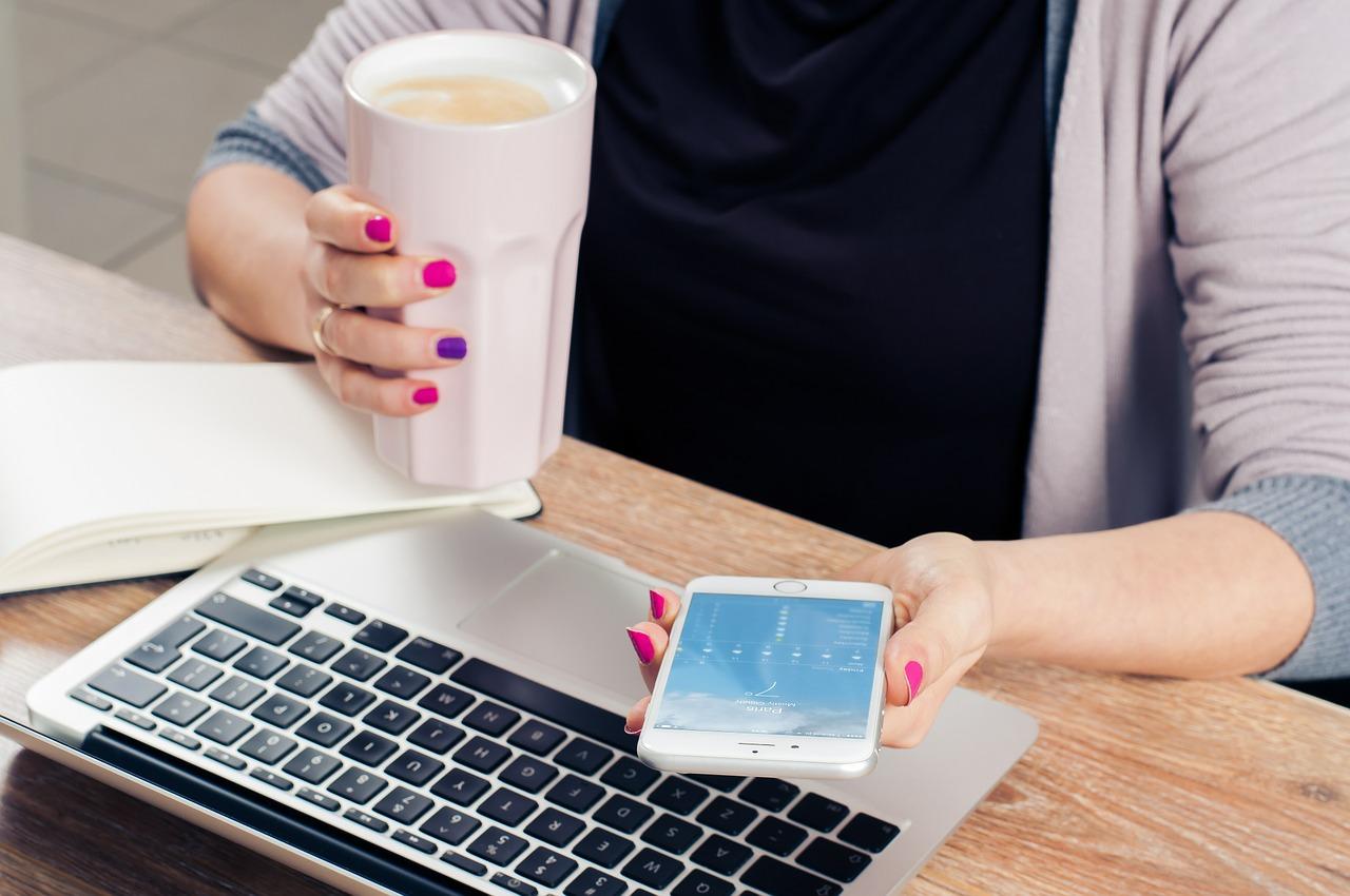 Comment connecter un téléphone sur un PC ?